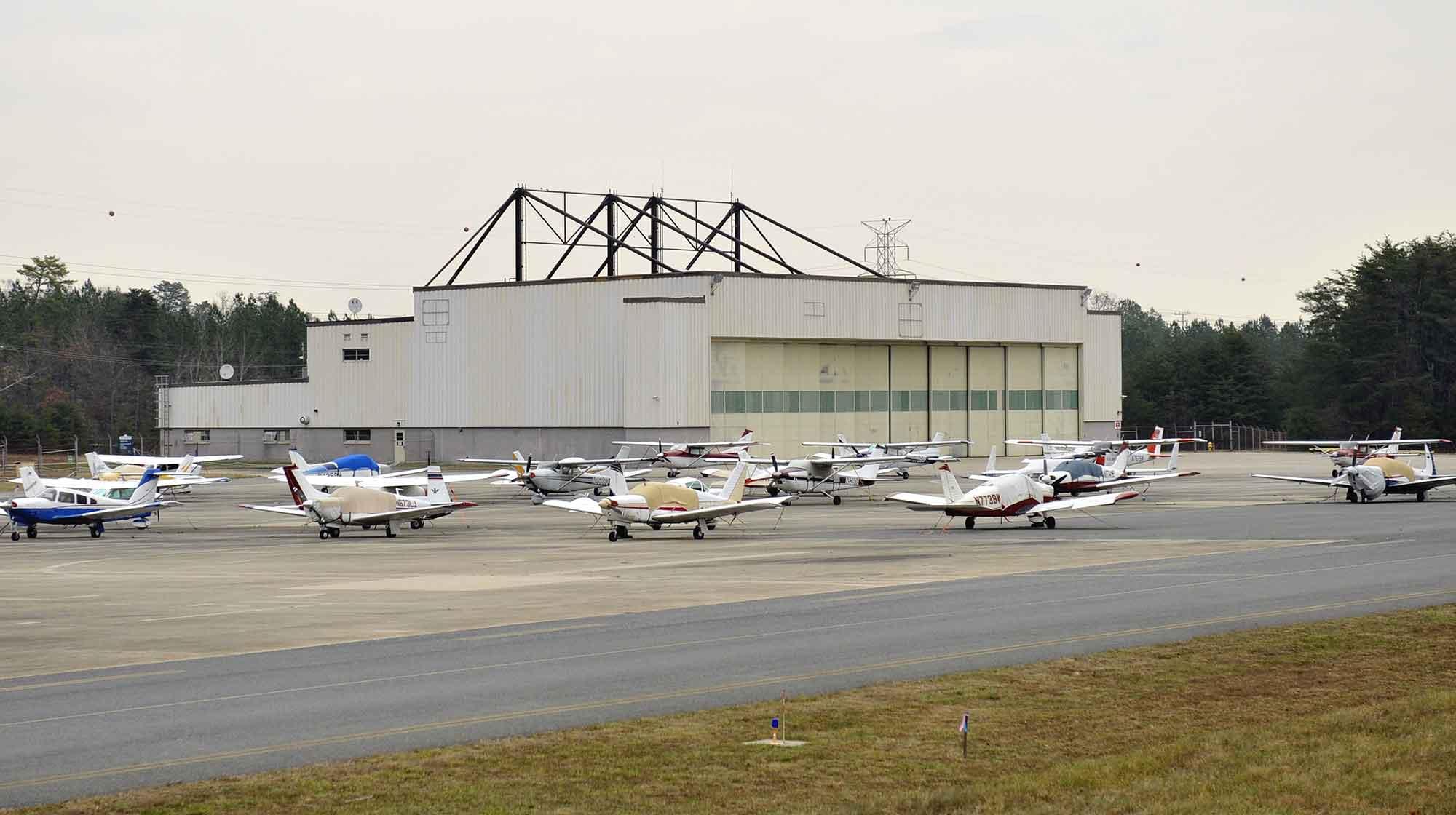 hangar 85 at tipton airport